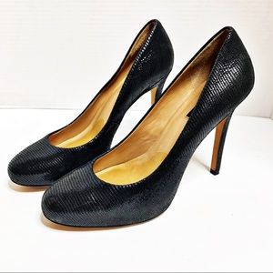 Ann Taylor Black Rounded Toe Textured Pump 8